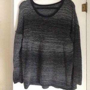 Vera wang sweater M